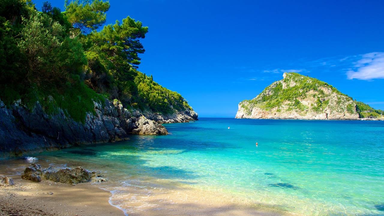 Korfu Gezilecek Yerler: Paleokastritsa